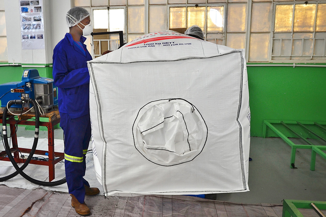 How to discharge bulk bags properly