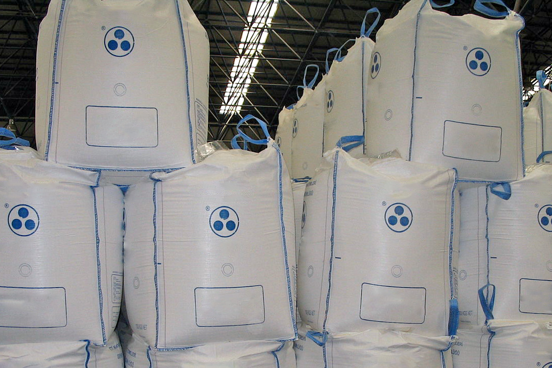 How to stack bulk bags properly for storage
